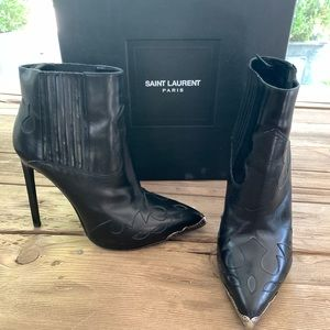 YSL black boot  Yve Saint Laurent booty
